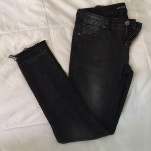 NWOT. Dear John greet washed color jeans. Size 27